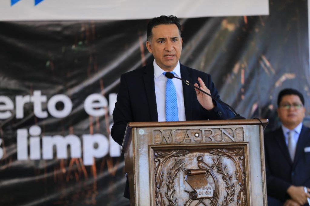 Mario Rojas, ministro MARN
