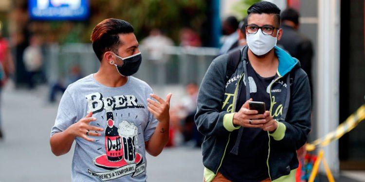 La mayoría de las personas usan mascarilla, pero el 15 por ciento la utiliza mal