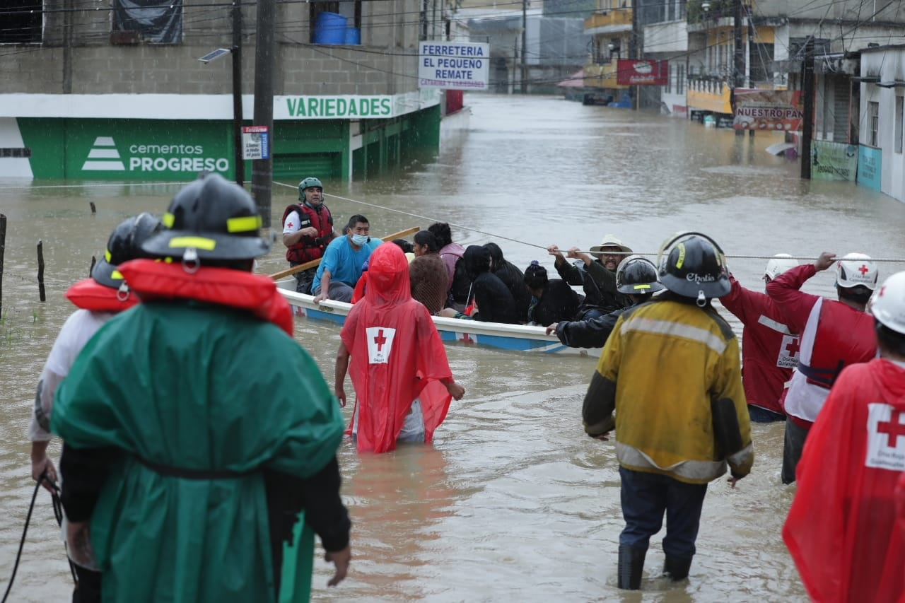 Cuerpos de socorro mantienen operativos de rescate en Alta Verapaz
