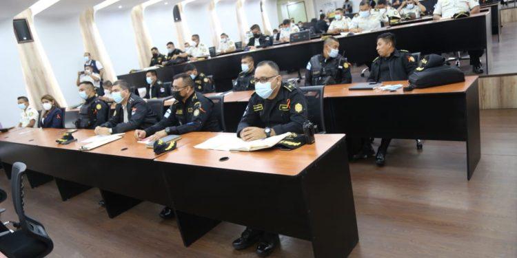 Agentes de la PNC se capacitan para atender casos de violencia contra la mujer