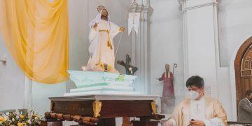 Domingo de Resurrección Feligreses católicos celebran la Pascua