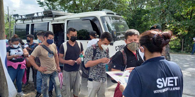 Más de 300 migrantes hondureños en caravana a Estados Unidos han retornado