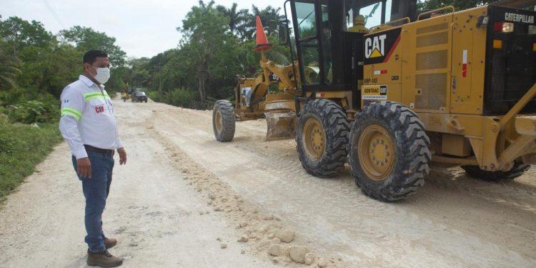 Comienza proyecto de asfalto de 27 kilómetros en Petén