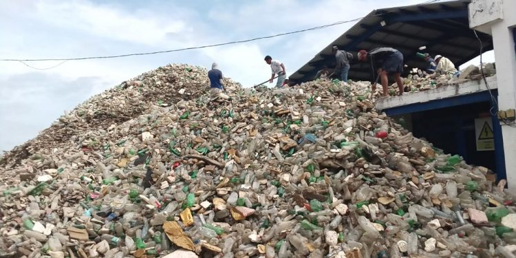 Retiran 350 toneladas de desechos del río Motagua durante primer semestre de 2021