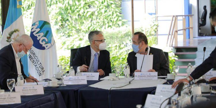El presidente Alejandro Giammattei se reunió con autoridades del Maga este miércoles.