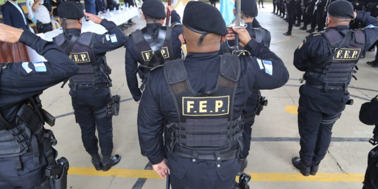 Ministerio de Gobernación imparte curso sobre operativos contra pandillas
