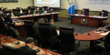 La cuarta reunión con alcaldes de Jutiapa y Sololá se realizó de formal virtual en Casa Presidencial.