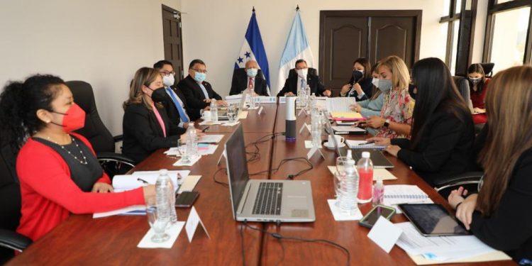 Honduras y Guatemala conversan sobre saneamiento del río Motagua