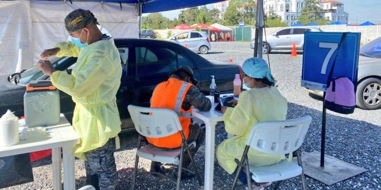 Más de 18 mil personas vacunadas contra COVID-19 en puestos masivos habilitados por el Ejército