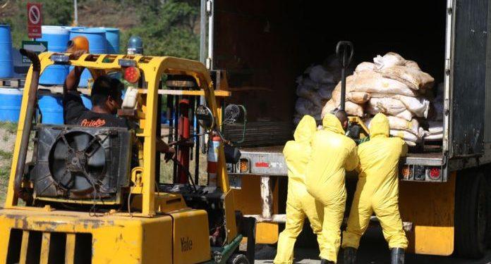 El traslado y destrucción de los mismos se realiza en el Complejo de Incineración de Sustancias Ilícitas.