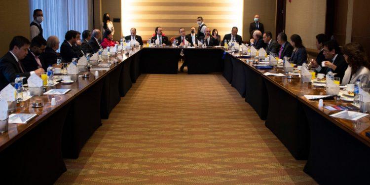 """Presidente Giammattei participa en encuentro """"Fortaleciendo lazos comerciales entre Guatemala y Colombia"""""""